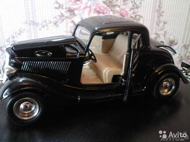 Ford Coupe 1934 1/24