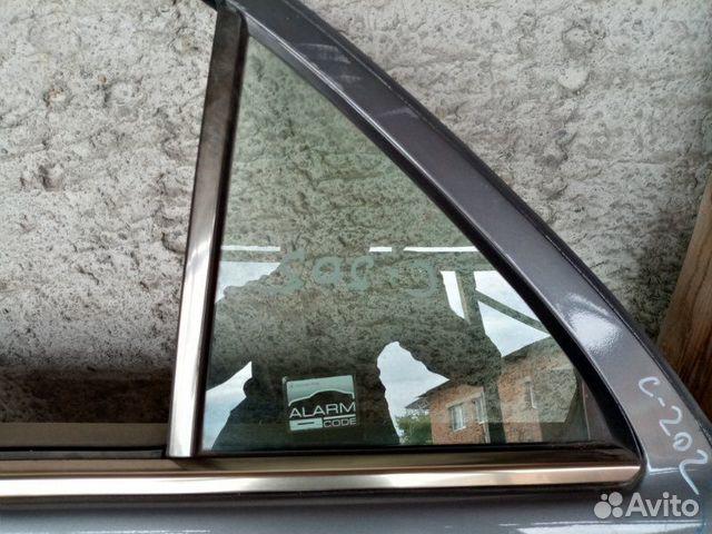 89026196331 Форточка двери задняя левая Mercedes-Benz C-Class