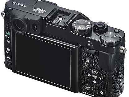 Полнокадровый фотоаппарат против кит делает выбор