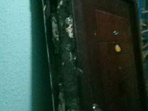 Дверь входная с коробкой б/у