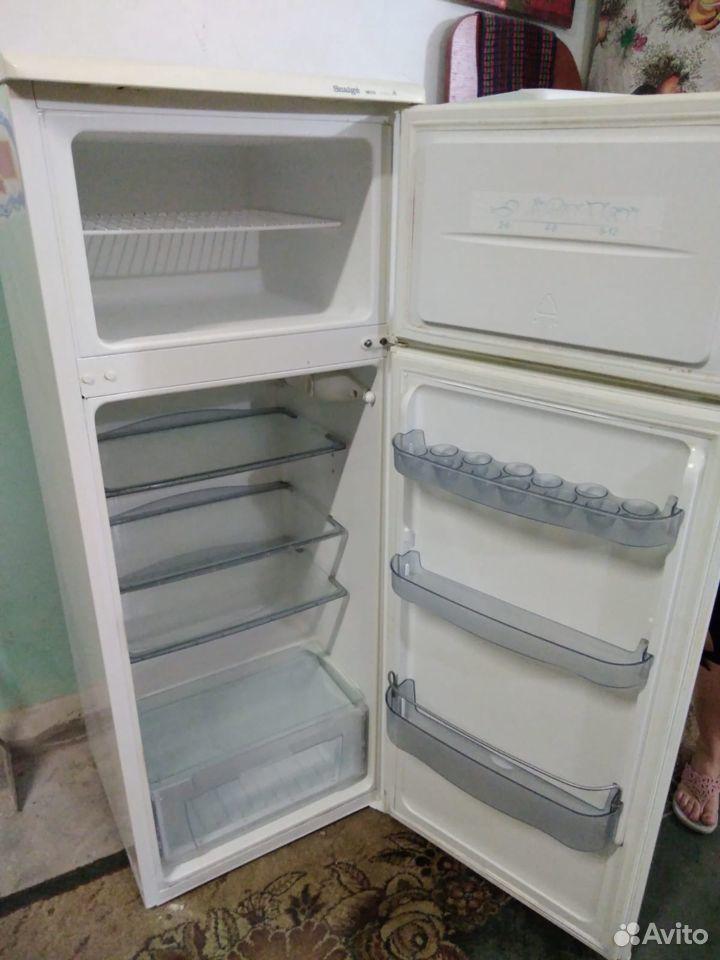 Продам 2-х камерный холодильник Snaige